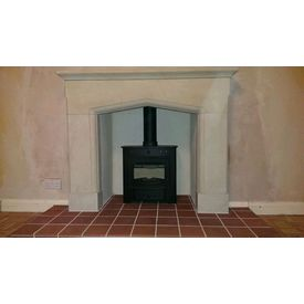 Villager Esprit solo 5 with a stone mantel and quarry tiles