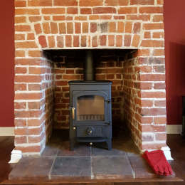Clearview Pioneer 400 5KW Multifuel Stove Installation